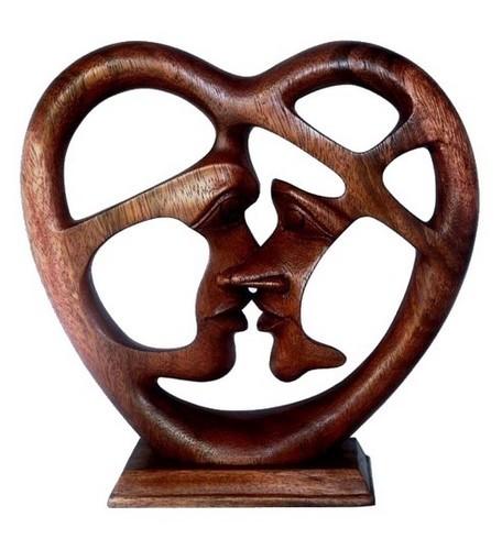 Kuß im Herz Paar Liebe abstrakt Figur Holz